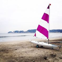 Sailboat on the beach #kamakura #sailboat #beach #鎌倉 by jimreddy