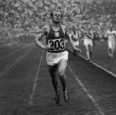 Emil Zátopek a Czechoslovak long-distance runner widely considered to be one of the greatest runners of the 20th century. He was also known for his brutally tough training methods. He was the instigator of interval training and hypoventilation training . .  Follow us use hashtag #wonderfulrunning and join the movement . . . .  @silvanamail