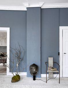 Seinän väri - Unngå så langt som mulig å bli inspirert av andre Blue Interior, Interior Decoration Accessories, House Interior, Best Bedroom Colors, Living Room Colors, Wall Colors, Small Space Interior Design, Colorful Interiors, Living Room Designs