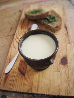 biała zupa z kalafiora i kalarepy