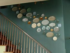 Site full of plate-collage, decor ideas
