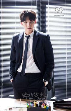"[Drama] Warm fuzzies galore in new stills of Ji Chang Wook in ""Suspicious Partner"" Ji Chang Wook Smile, Ji Chan Wook, Asian Actors, Korean Actors, Korean Dramas, Suspicious Partner Kdrama, Ji Chang Wook Photoshoot, Handsome Asian Men, Warm Fuzzies"
