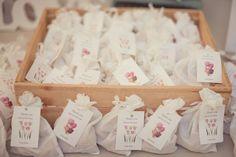 Tulip Bulb Wedding Favors. Photo Source: My Day (Hatunot) #weddingfavors #tulips