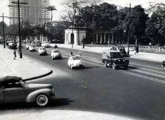 Ou a entrada do Parque Trianon bem tranquila, em 1956. | 23 fotos que revelam São Paulo como você nunca viu