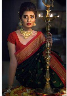 Marathi Bride, Desi Bride, Marathi Nath, Silk Kurti Designs, Pattu Saree Blouse Designs, Indian Bridal Sarees, Indian Bridal Outfits, Maharashtrian Saree, Nalli Silk Sarees