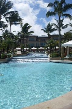 The Ritz-Carlton, Kapalua on Maui.  Yes, this is where I want to stay! #treasuredtravel