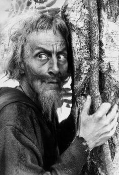 Geoffrey Bayldon (* 7. Januar 1924 in Leeds, Yorkshire; † 10. Mai 2017) war ein britischer Schauspieler