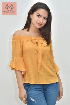 Blusas – Gamarra – Ropa en Perú Look Fashion, Trendy Fashion, Fashion Outfits, Womens Fashion, Corsage, Moda Chic, Blouse Dress, Nice Tops, Casual Outfits
