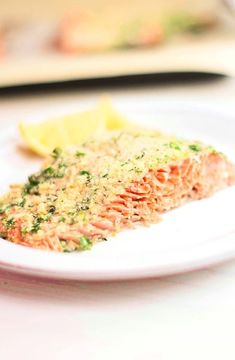 Baked salmon with parmesan and parsley crust -- Low FODMAP Recipe and Gluten Free Recipe #lowfodmaprecipe #glutenfreerecipe #lowfodmap #glutenfree http://www.ibs-health.com/low_fodmap_baked_salmon_parmesan_parsely_crust.html