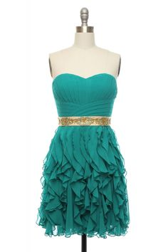 This wouldve made a pretty bridesmaid dress! except im making them myself :P