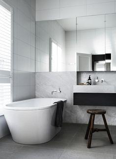 white, marble, big mirror
