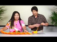 The Joy of Crafting 177/3 - Twisted Ilima Yarn Lei - YouTube