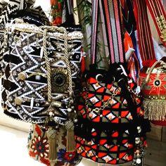 Miss G Mochila Crochet, Crochet Bags, Crochet Needles, Chanel Boy Bag, Needlework, Wallets, Tapestry, Shoulder Bag, Handbags