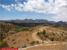 Bunyeroo Valley in the Flinders Ranges as seen from Razorback Lookout. Stuff To Do, Things To Do, Aboriginal History, South Australia, Holiday Destinations, Ranges, Where To Go, Caravan, Art History