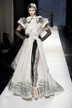 avant garde dresses   Gorgeous Avant Garde Dress Avant Garde Fashion for Women #monochromatic