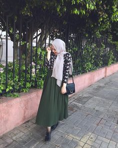 #pelated_skirt#skirt#pelatedskirt#blouse#hijab#hijabfashion#fashion##hijablife#hijabinsperation#modestfashion#hijabstreetstyle#hijabstyle_lookbook#hinstahijab#muslimawear#simplycoverd#chichhijab#modesty#hijabfashion #hijabi #hijaabfashion2 #hijabb #model #blogger #hijabi #hijabers #hiajbblogger #model #beatyful #beaty #followforfollow #followme #prettygirls#hijabfashion #modeling #moda #skirt #blogger #fashionblogger #stunting # #bela