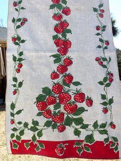Strawberry motif vintage tea towel - 75 percent cotton/ 25 percent linen - looks unused on Etsy, £3.67