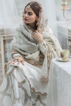 Beautiful Pakistani Dresses, Pakistani Formal Dresses, Pakistani Fashion Party Wear, Pakistani Wedding Outfits, Indian Bridal Fashion, Indian Fashion Dresses, Pakistani Wedding Dresses, Pakistani Dress Design, Bridal Outfits