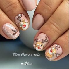 Here is a tutorial for an interesting Christmas nail art Silver glitter on a white background – a very elegant idea to welcome Christmas with style Decoration in a light garland for your Christmas nails Materials and tools needed: base… Continue Reading → Nail Art Noel, Xmas Nail Art, Cute Christmas Nails, Christmas Manicure, Xmas Nails, Christmas Nail Art Designs, Winter Nail Designs, Holiday Nails, Christmas Trees