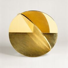 Max Bill - Sculpture Brass and gold-plated Construction of three circular discs - 1945-1946.