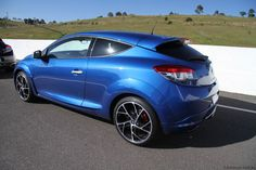 Renault Sport, the somewhat stealth-like operation just outside of Paris, are in the business of building performance hatches. Megane Rs, Renault Sport, Cars Motorcycles, Automobile, French, Vehicles, Sports, Motorbikes, Car