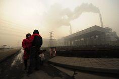 """O Instituto Black Smith, em parceria com a revista Time e a rede australiana ABC Environment, divulgaram a lista das dez cidades mais poluídas do mundo. No ranking, dois munícipios da China, dois da Índia e dois da Rússia. O Peru é o único país sul americano que está entre os mais poluídos. Apesar de...<br /><a class=""""more-link"""" href=""""https://catracalivre.com.br/geral/sustentavel/indicacao/as-dez-cidades-mais-poluidas-do-mundo/"""">Continue lendo »</a>"""
