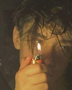 Bad Boy Aesthetic, Aesthetic Grunge, Beautiful Boys, Pretty Boys, Rauch Fotografie, Photographie Portrait Inspiration, Grunge Boy, 90s Grunge, Grunge Style