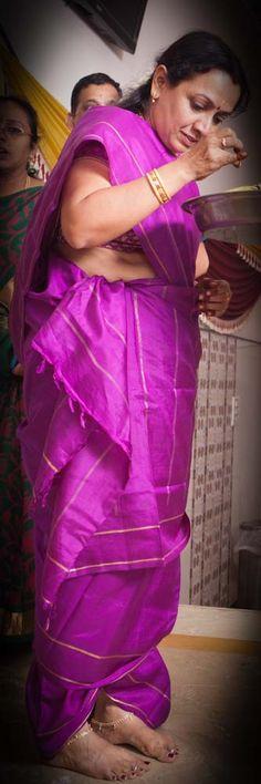 © PhotoStrophe #Photostrophe #Wedding #Photography #weddingphotography #videography #cinematography #chennai #india #candid #candidphotography #tradition #hindutradition #weddingtradition #tambrahm #madisar #9yards #saree