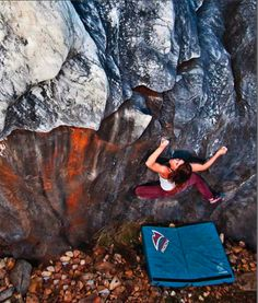 Ready to go for it - Nicole Zuelke on The Flake Traverse, Labyrinth area, Columbia, CA. Climbing Girl, Sport Climbing, Rock Climbing, Love Rocks, Wakeboarding, Mountaineering, Extreme Sports, Climbers, Real Women