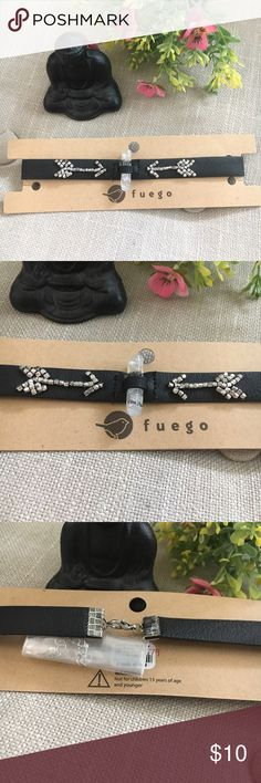 🆕 Fuego Beaded Arrow and Crystal Choker This Fuego Beaded Arrow and Crystal Choker is brand new with tags and never worn. This is a super trendy must have for Spring and Summer! Material is almost like a thin faux leather and also includes silver tone hardware. Fuego Jewelry Necklaces