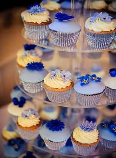 Cup Cakes Bristol | Wedding cup cakes and birthday cup cakes Bristol