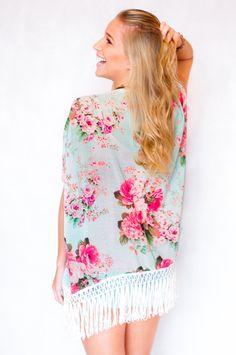 Kimono floral franjas Garimppo!