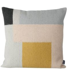 http://www.lefliving.de/de/ferm-living-kissen-kelim-squares-50x50cm.html