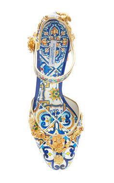 Dolce & Gabbana Spring Summer 2016 https://www.pinterest.com/jenosterville/shoes/