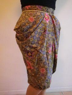 Ladies Women's striking Batik Green Blue Floral Tulip Pleated Skirt