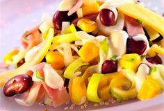 Sałatka świąteczna / Easter Salad - połączenie czerwonej fasoli, kukurydzy, żółtego sera, pora i szynki, doprawione do smaku z dodatkiem majonezu,