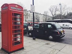Travel does the good.. ✈️  •  •  •  •  •  •  #tbt #travel #travelgram #london #photography #throwback #talkingaboutf