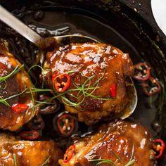 Char Siu Pork (Chinese BBQ Pork) | RecipeTin Eats Caramel Chicken, Baked Chicken, Comida Delivery, Comida Pizza, Mie Goreng, Nasi Goreng, Recipetin Eats, Coriander Cilantro, Stuffed Mushrooms