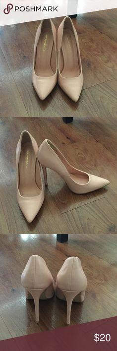 Pink heels Cute pink heels. Worn once. 4 in heel. shoe republica Shoes Heels