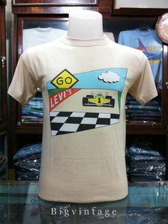 """สภาพดี ขนาด อก 17.8 ยาว 25.5     Vintage Levi's T-shirt Race car number 1 Sz.M 50/50 Good Condition True Vintage Measurements: Chest: 17.8 """" Length: 25.5 """""""