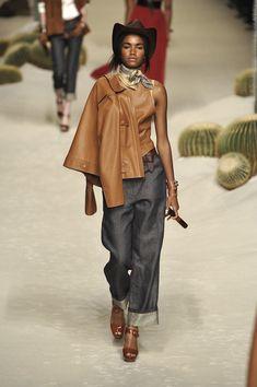 Hermès at Paris Fashion Week Spring 2009 - Runway Photos