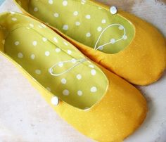 Shoe Sewing Pattern - PDF - Vintage Flair Flats women's size 5 to 11. $4.50, via Etsy. Slippers