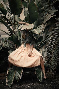 © chicheri by raquel chicheri on Creative Photography, Editorial Photography, Portrait Photography, Nature Photography, Fashion Shoot, Editorial Fashion, Feeds Instagram, Photoshoot Concept, Fashion Photography Inspiration
