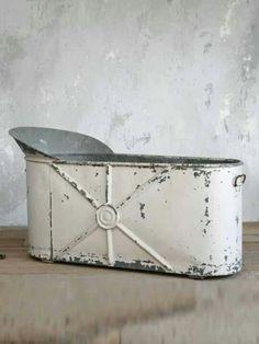 Great Antique Bath Tub