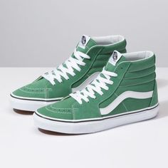 The the legendary lace-up high top, features sturdy canvas and suede uppers, re-enforced toecaps to withstand repeated wear, padded collars for support and flexibility, and signature rubber waffle outsoles. Tenis Vans, Vans Sk8, Casual Sneakers, High Top Sneakers, Green Sneakers, Converse Sneakers, Green High Top Vans, Vans Shoes For Sale, Vans Shoes Fashion