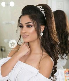 Wedding makeup looks and hairstyles, soft glam wedding makeup looks wedding and . wedding engagement hairstyles 2019 - : Wedding makeup looks and hairstyles, soft glam wedding makeup looks wedding and . Natural Wedding Makeup, Wedding Hair And Makeup, Bridal Makeup, Bridal Hair, Hair Makeup, Hairdo Wedding, Engagement Hairstyles, Bride Hairstyles, Soft Hairstyles