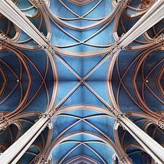 Mikhail Porollo, Church of our Lady of Laken, Brussels, Belgium, 2012 / 2013 © www.lumas.de/ #Lumas