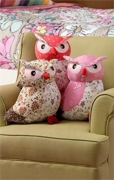 large stuffed owls pillows or soft toy Owl Sewing, Sewing Toys, Sewing Crafts, Owl Crafts, Diy And Crafts, Arts And Crafts, Owl Fabric, Fabric Crafts, Patchwork Fabric