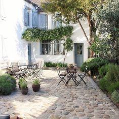 Small Cottage Garden Ideas, Garden Cottage, Small Garden Design, Outdoor Rooms, Outdoor Gardens, Outdoor Living, French Courtyard, French Patio, Casa Loft