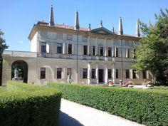 Villa Foscarini Rossi illuminata da una bella giornata di sole...#villevenete #location #matrimonio